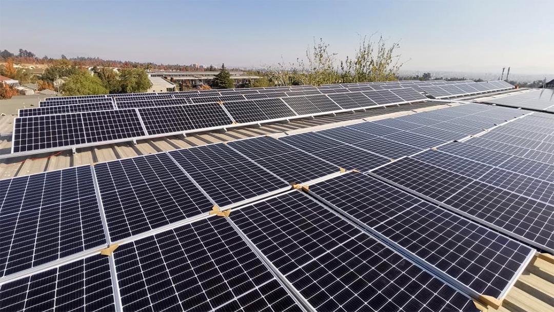 Instituto Profesional Arcos y su apuesta por la energía solar